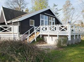 Three-Bedroom Holiday home in Tikøb, hotel in Hornbæk