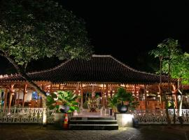 The Nalaya Hotel & Resto