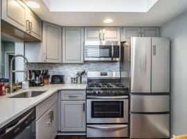 Best Pittsburgh Views, Privacy, and Room for 6 Guests!