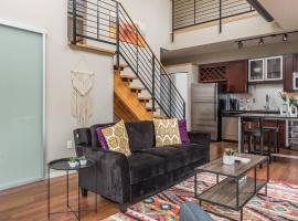 Bold + Eclectic 2BR Apt near Downtown East