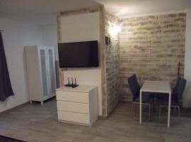 Apartament Nad Kamienną 2, budget hotel in Jelenia Góra