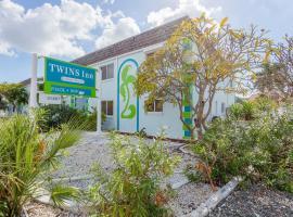 Twins Inn & Apartments