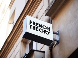 French Theory, hotel en París