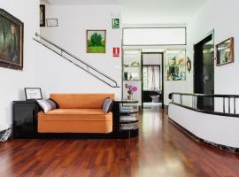 Casa Vilaró Park Guell, hotel in Barcelona