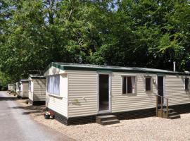 Quantock Orchard Caravan Park, hotel in Taunton