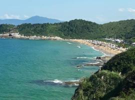 Cabana praia do Pinho, pet-friendly hotel in Balneário Camboriú