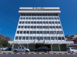 OYO 89619 De Choice Hotel, hotel di Tawau
