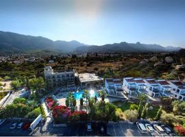 Altinkaya Holiday Resort, отель в Кирении