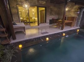 Dak House with Private Pool, hotel with pools in Ubud