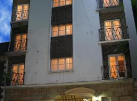 Hotel La Salle, hotel cerca de Catedral de Mar del Plata, Mar del Plata