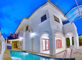 White House Pool Villa By ASAPIAN Hotels - An Unit of Tourland
