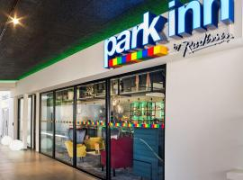 Park Inn By Radisson Hasselt, hotel with pools in Hasselt