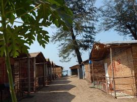 sophia huts arambol