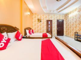 OYO 568 Hoang Long, hotel near Giac Lam Pagoda, Ho Chi Minh City