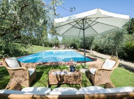 Suore Domenicane Villa Sleeps 14 with Pool Air Con and WiFi