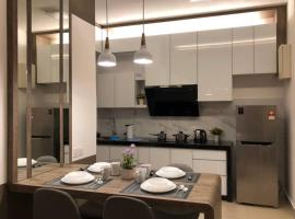 Melissa luxury homestay 4 Adults - Woodsbury Suites Butterworth, apartment in Butterworth
