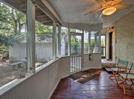 "NEW! Historic ""Honeymoon Cottage"" in Duckpond Area"