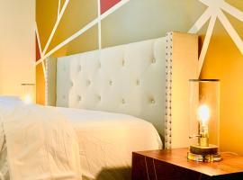 Luxury Stay - Business Travelers Retreat - Heart of Downtown Atlanta - Free Parking -