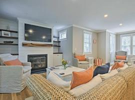Luxurious West Yarmouth House w/Backyard&Bay Views, holiday home in West Yarmouth