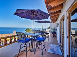 Luxurious Hamilton Cove Villa w/Amazing Ocean Views, hotel with jacuzzis in Avalon
