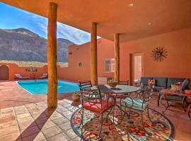 'Pueblo House' with Pool in Shadows of Zion Natl Park, Hotel in Hurricane