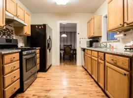 Private Upstairs Suite 2BR/1BA Near Tech