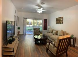 2 MASTER SUITES 8 people close to North Florida Regional Med , UF Health and Oaks Mall!!!