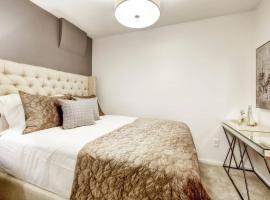 Ultimate Denver Getaway in FIVE POINTS Sleeps 6