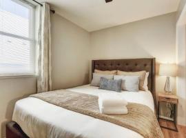 New Charming Denver Apt 2BD Sleeps 6 GREAT LOCATION!