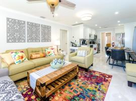 Modern Designer Home 3br-2ba, Huge Master Suite, Full Kitchen, Near Beach, Private Yard, Peaceful Neighborhood