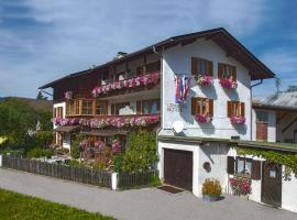 Gaestehaus Richter, hotel near Kolbensattelbahn, Oberammergau