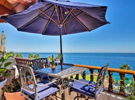 Luxe Catalina Villa w/ Spectacular Ocean View, hotel with jacuzzis in Avalon