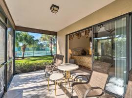Sarasota Villa w/ Pool Access ~4 Mi to Beach!