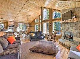 Modern Fairplay Cabin on 41 Private Acres!, hotel in Fairplay