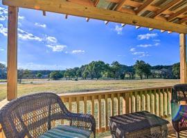 Ranch Cabin w/ Decks, 10 Mi to Fredericksburg