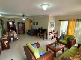 Spacious Apartment Near Of It All, hotel in La Romana