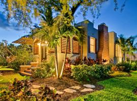 Delray Beach House w/ Private Backyard Hot Tub!