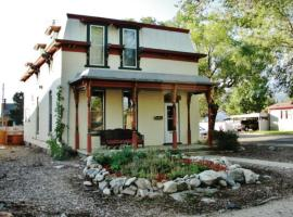 Gorgeous Victorian Salida House w/ Mtn Views!