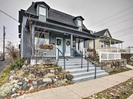 'London' Classic Abode in Kendall Yards Area!