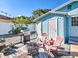 Cozy Delray Beach Abode - 2 Miles to Water!