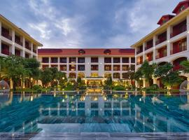Senna Hue Hotel, hotel with jacuzzis in Hue