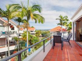 Haven on Noosa Hill - sunset views, pools, spa