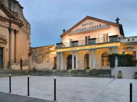 Hôtel & Spa Jules César Arles - MGallery Hotel Collection, hotel in Arles