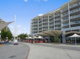 The Oaks Waterfront Resort, Unit 509, hotel in The Entrance