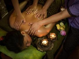 Banteay Srey Bungalows - Women Only