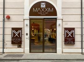 Maxxim Hotel, hotel in Ferrara