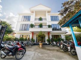 """Bed Station Hostel & Pool Bar Hội An """" Former Sunflower"""""""