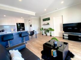 Elegantly Appointed BRAND NEW Luxurious Apartment!, budget hotel in Perth