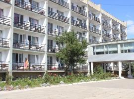 Amur, готель у Лазурному