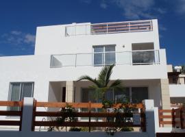 Family Villa in Coral Bay